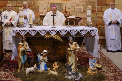 Pirwsza Pasterka w Parafii pw. św. Jana Pawła II w Ignatkach - Osiedle