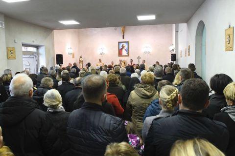 Pierwszy odpust w kościele św. Jana Pawła II w Ignatkach - Osiedle.